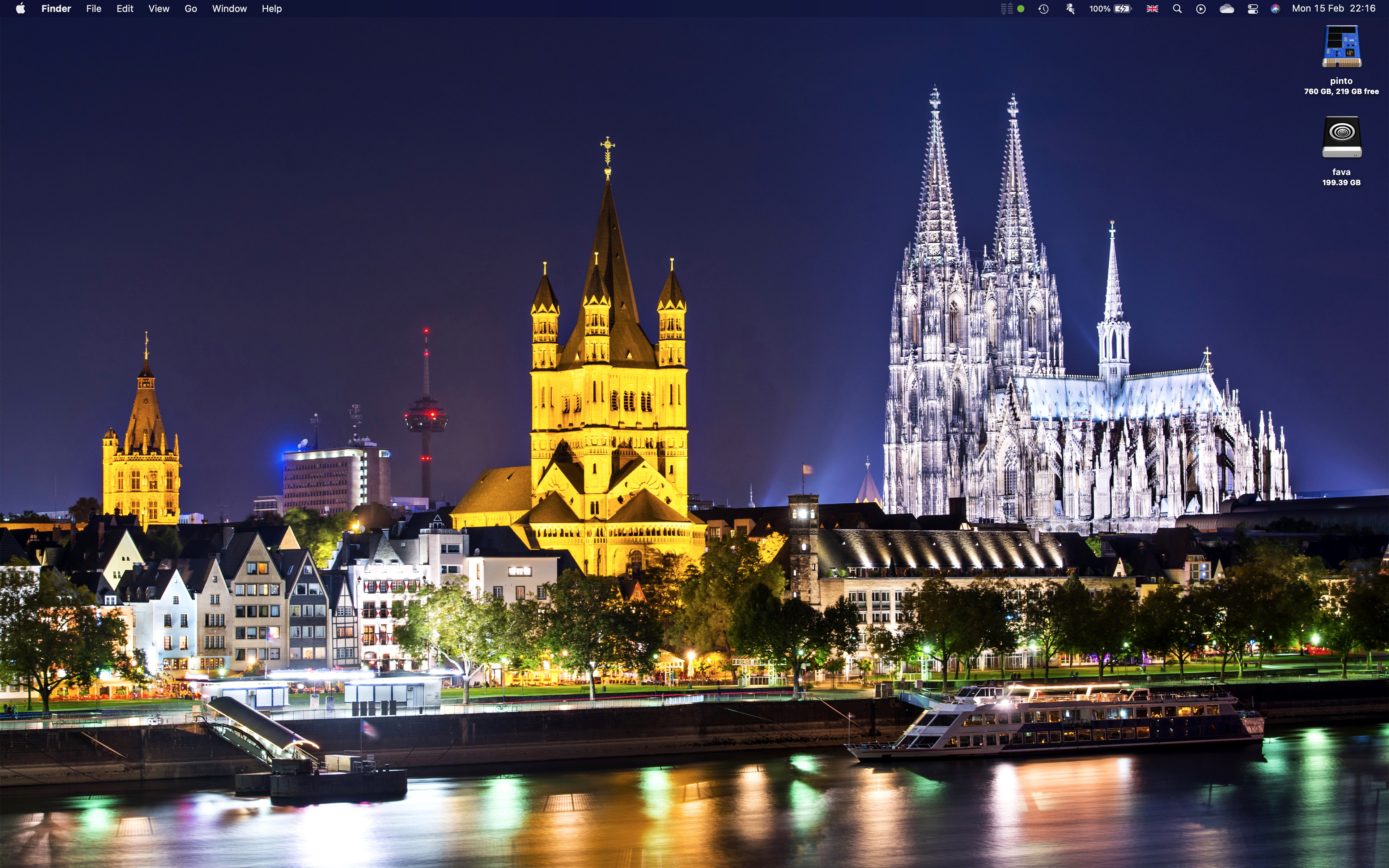 A Picture of My Desktop